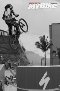DOWNHILL-URBANO-MANIZALES-2016-SOECIALIZED-MY-BIKE-15 - copia