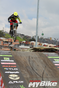 DOWNHILL-URBANO-MANIZALES-2016-SOECIALIZED-MY-BIKE-18 - copia